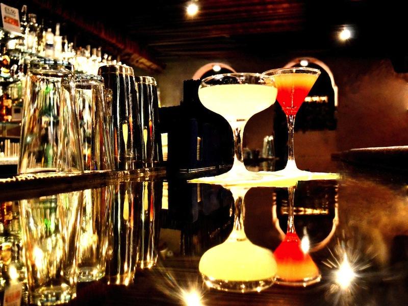 cambridge-cocktail-making